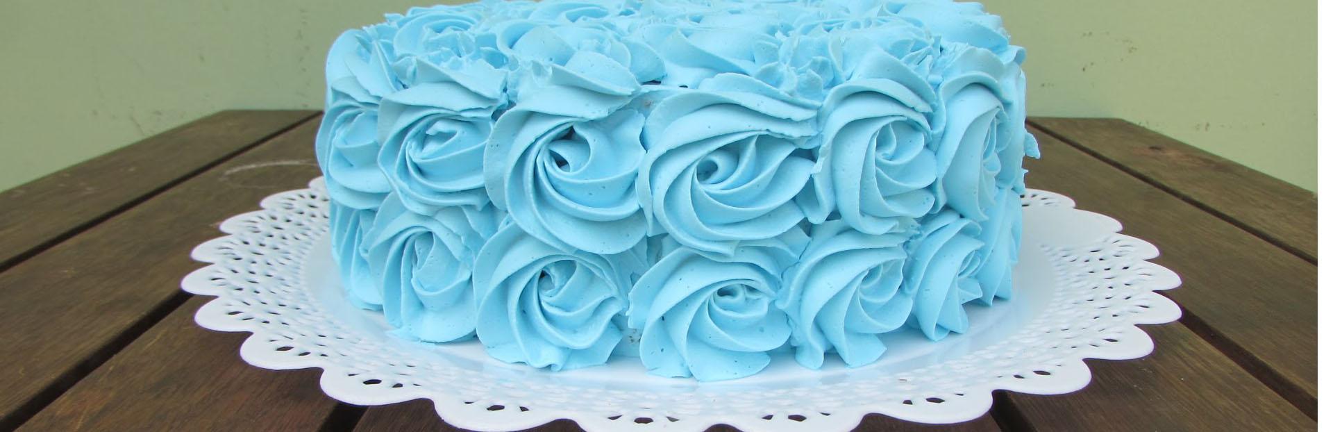 bolo de chantilly azul